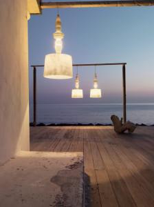 Alibabig con struttura in vetroresina per indoor e outdoor.